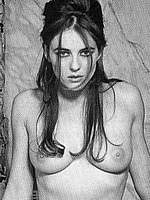Elizabeth Hurley topless b&w pictures