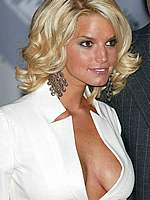 Jessica Simpson nice cleavage paparazzi shots