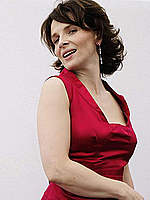 Juliette Binoche sexy in red dress photoset